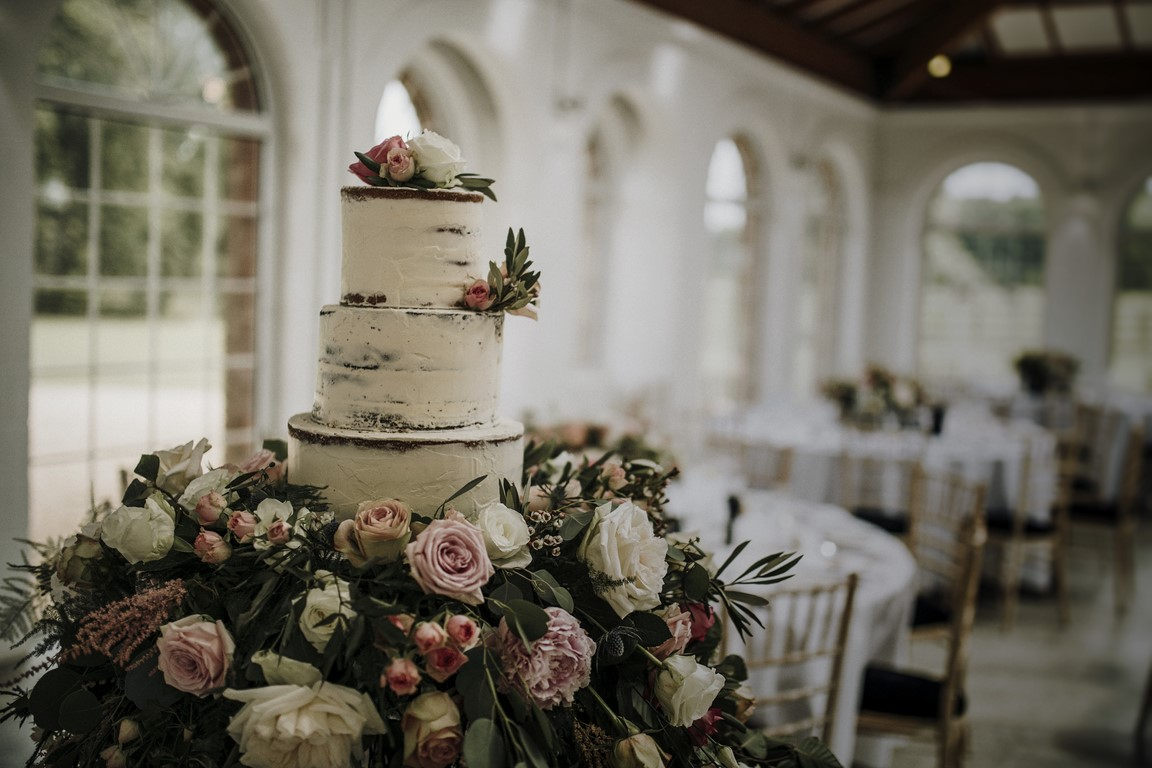 Irnham Hall, Wedding cake
